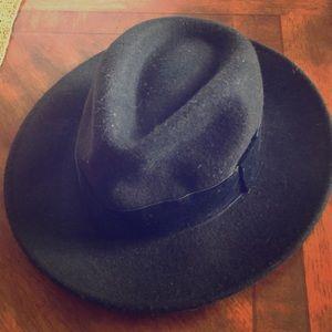 Zara Hat
